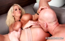 Big ass MILF Alura Jenson does anal